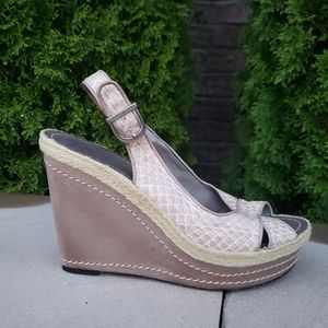 VINCE CAMUTO Scale Pattern Espadrille Wedge 9.5